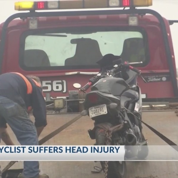 Motorcyclist_Loses_Control_And_Suffers_H_0_20181124041840